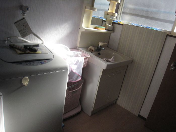 洗面脱衣室もリフォーム済
