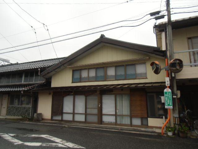表通りは、江戸時代の商店