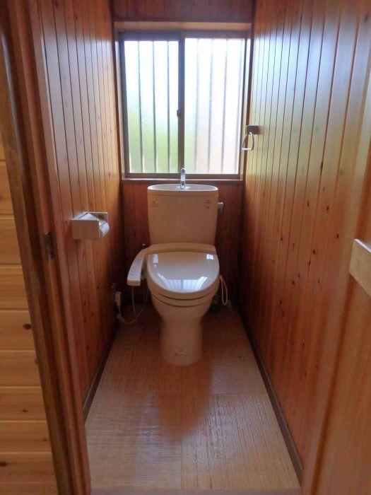 トイレは浄化槽設置済み