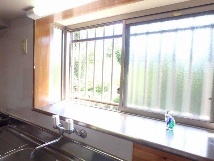 キッチンの出窓