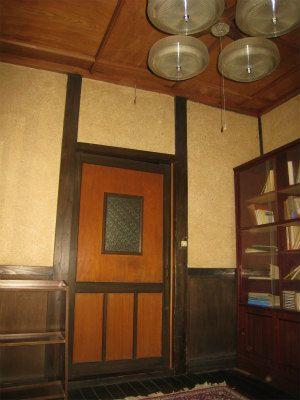 母屋2階の大正ロマン漂う洋室