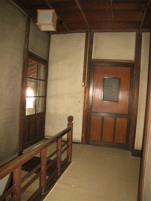 母屋2階 洋室前階段