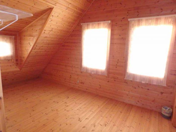 2階洋室は日当たり良好です