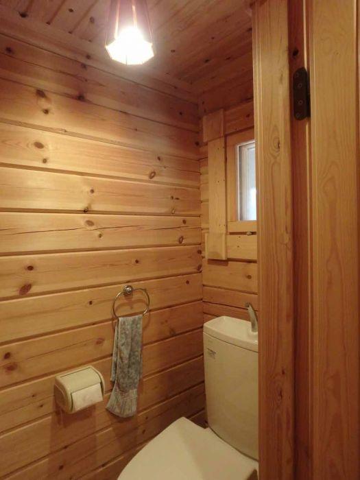 トイレは飾り棚も付いています