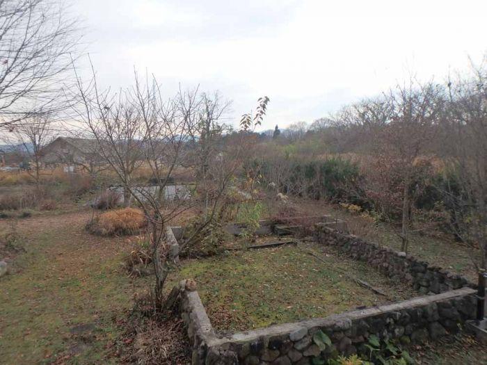 南側の庭 家庭菜園も可能です