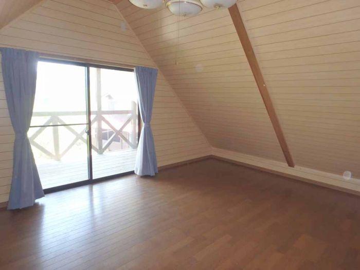 2階南側の洋室