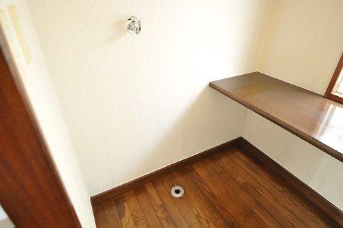 キッチン横はランドリースペースで家事も楽ちん