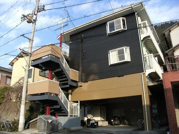 1階は駐輪場になっております。