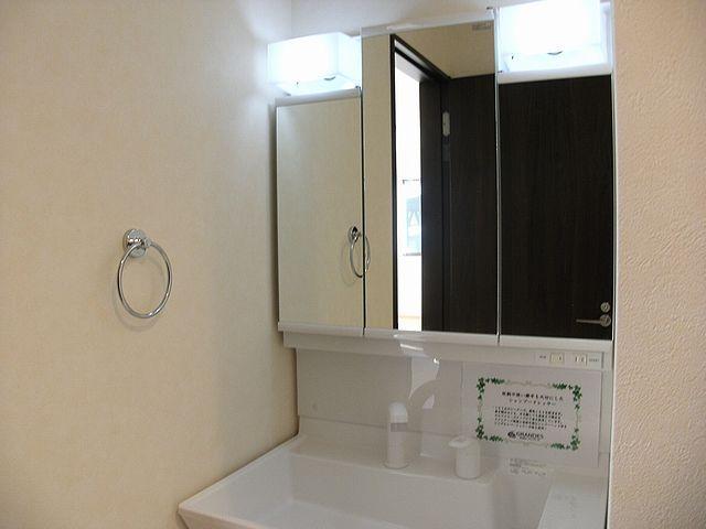 洗面台はどこからもすぐなので、帰宅後や朝の準備に大変便利!