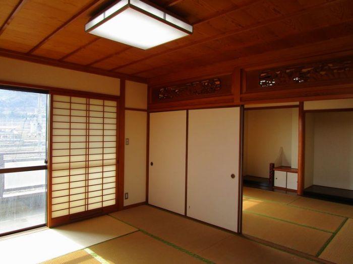 3階は和室8帖と6帖の続き間で床の間と仏間のある本格仕様です。