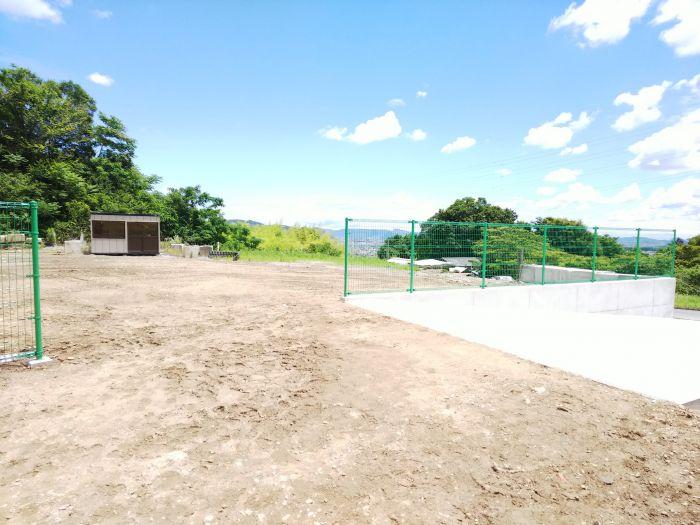 フェンスの間は約5mです。