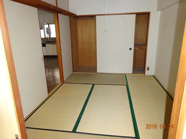 6畳和室を南東から撮影